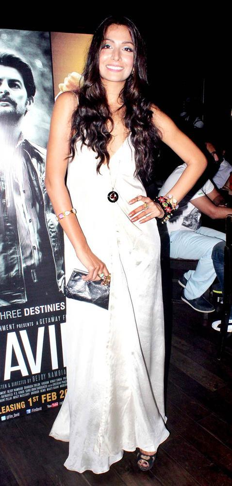 Monica Dogra Flash A Smile For Photo At David Music Launch And Live Music Concert