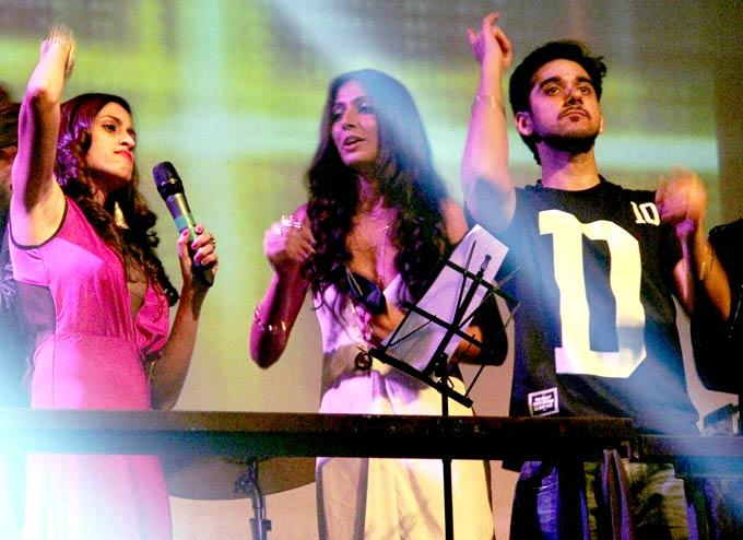 Shweta,Monica And Vinay Song Performance Photo Clicked At David Music Launch And Live Music Concert