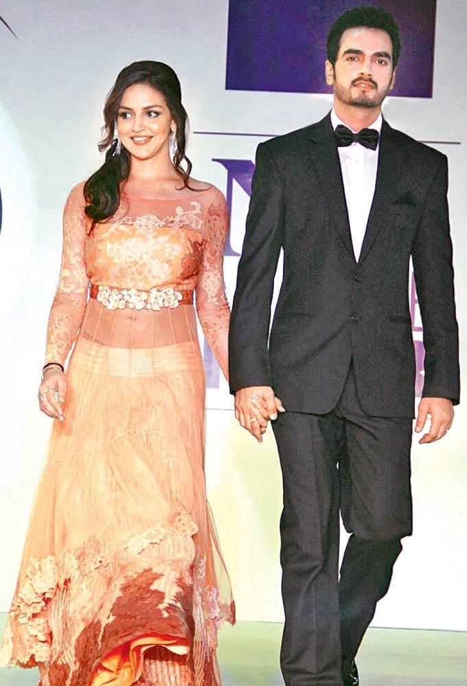 Esha Deol Walks Down Tthe Ramp With Hubby Bharat Takhtani At Beti Fashion Show