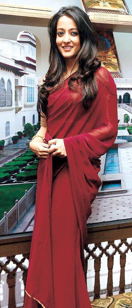 Raima Sen Rocks In A Scarlet Saree At An Event