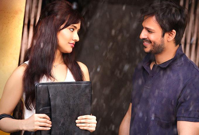 Vivek Oberoi And Neha Sharma Cool Look From Jayanta Bhai Ki Luv Story