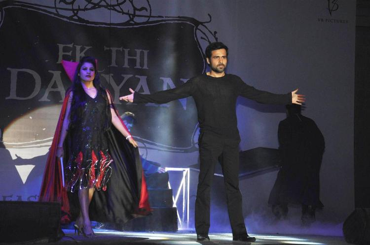 Emraan Streatching Hand Photo On Stage At Launch Of Ek Thi Daayan