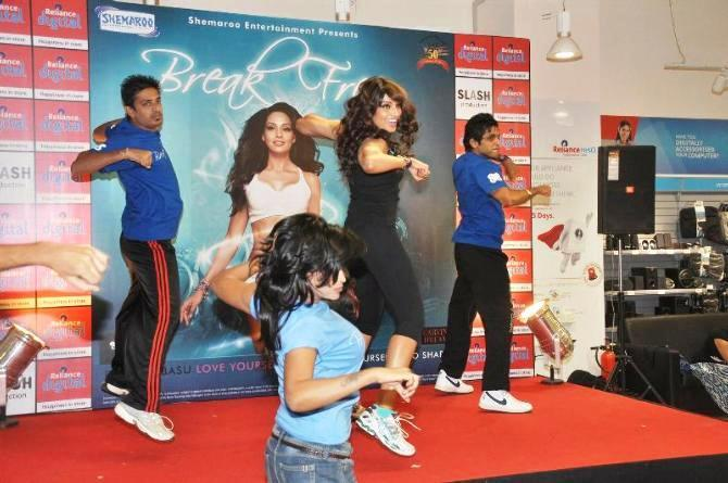 Bipasha Basu Launched Her 2nd Fitness DVD Break Free