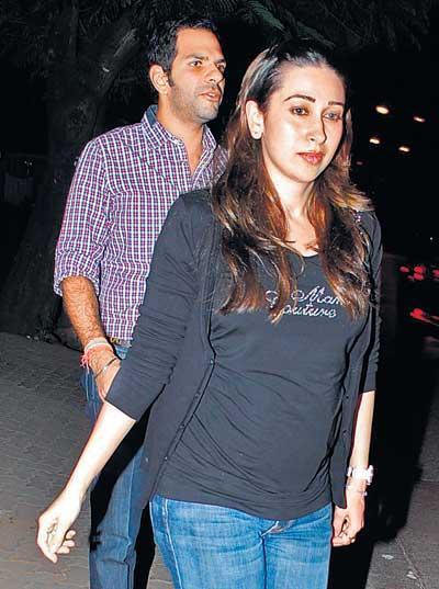 Karisma Kapoor Charming Look Photo Still