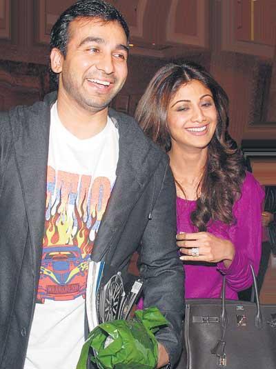 Raj Kundra With Wife Shilpa Smiling Photo Still