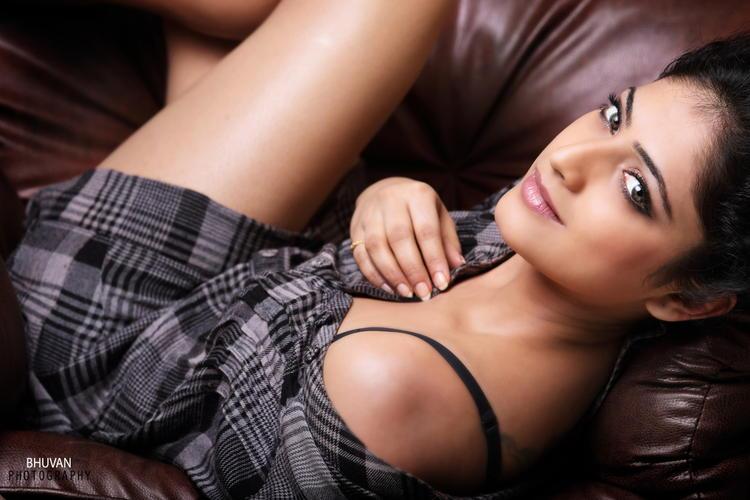 Haripriya Sexy And Spicy Pose Photo Shoot