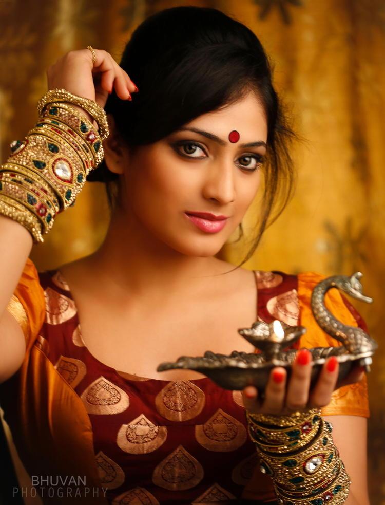 Haripriya Sizzling And Attractive Photo Still