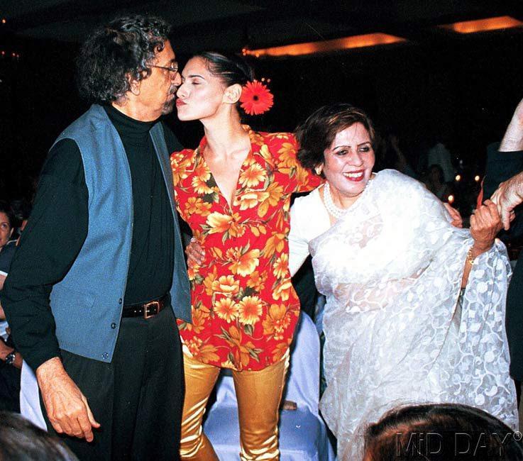 Sophiya Haque Kissing Photo Still