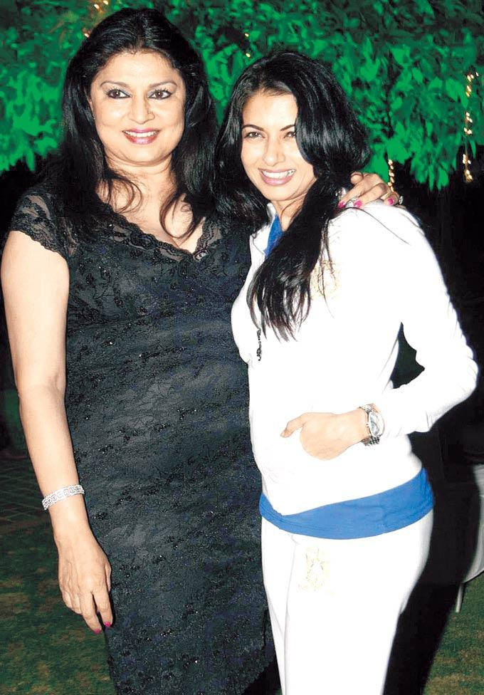 Kirron And Bhagyashree Cosy Smiling Photo Clicked During A Birthday Bash