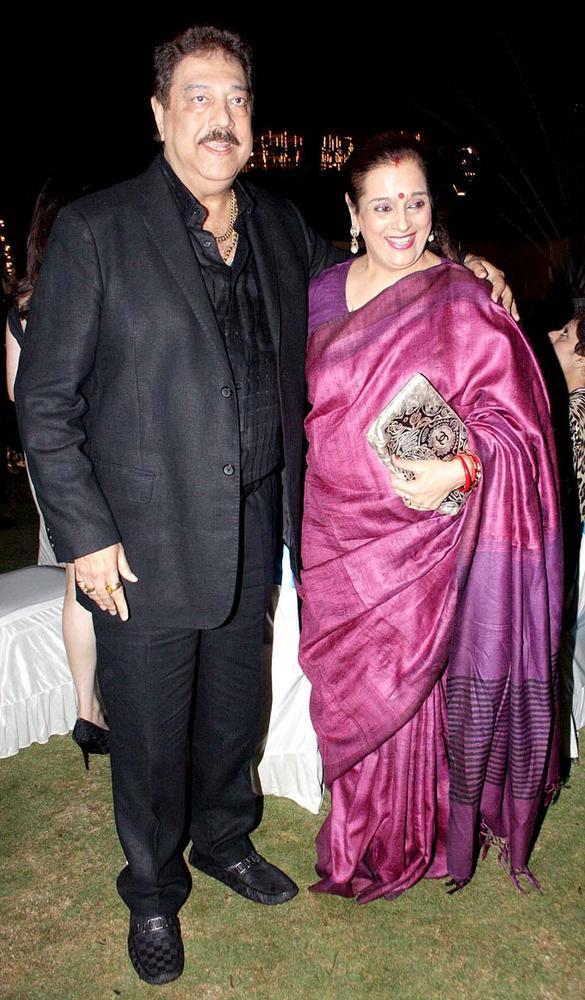 Surendra With Poonam  Nice Smiling Photo Clicked At Surendra Wadhwanis Birthday Bash