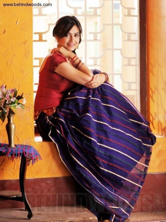 Kriti Kharbhanda Charming Look Photo Still