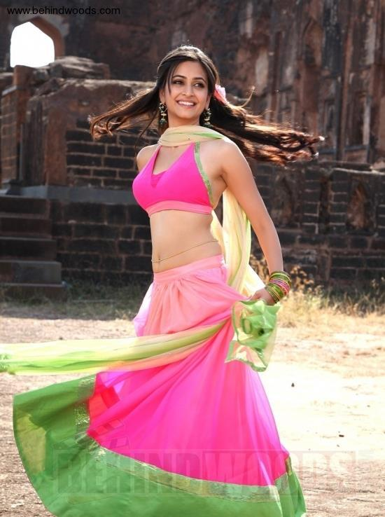 Kriti Kharbhanda Radiant And Beautiful Look Photo Still In A Pink Ensable