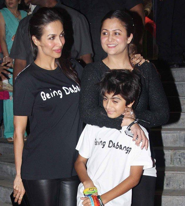 Malaika With Son And Sister Amrita In Being Human T Shirt At Being Human Store Launch