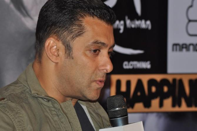 Salman Speak Out Photo At Being Human Store Launch