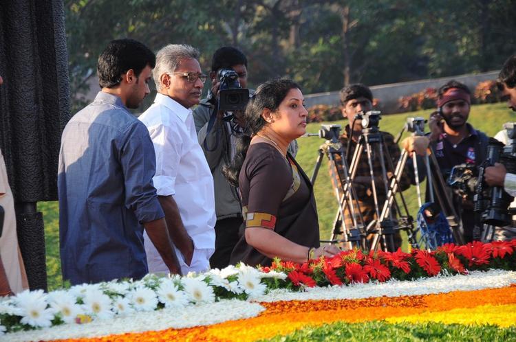 Daggubati Purandeswari Snapped At NTR Ghat