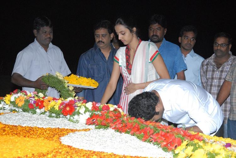 Jr. NTR And Wife Lakshmi Pranathi Tribute At NTR Ghat