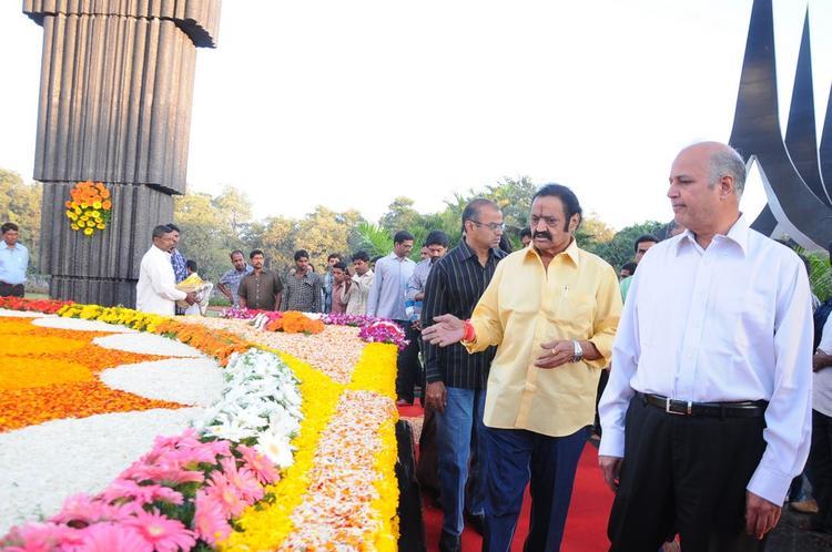 Nandamuri Harikrishna Walking Still At NTR Ghat