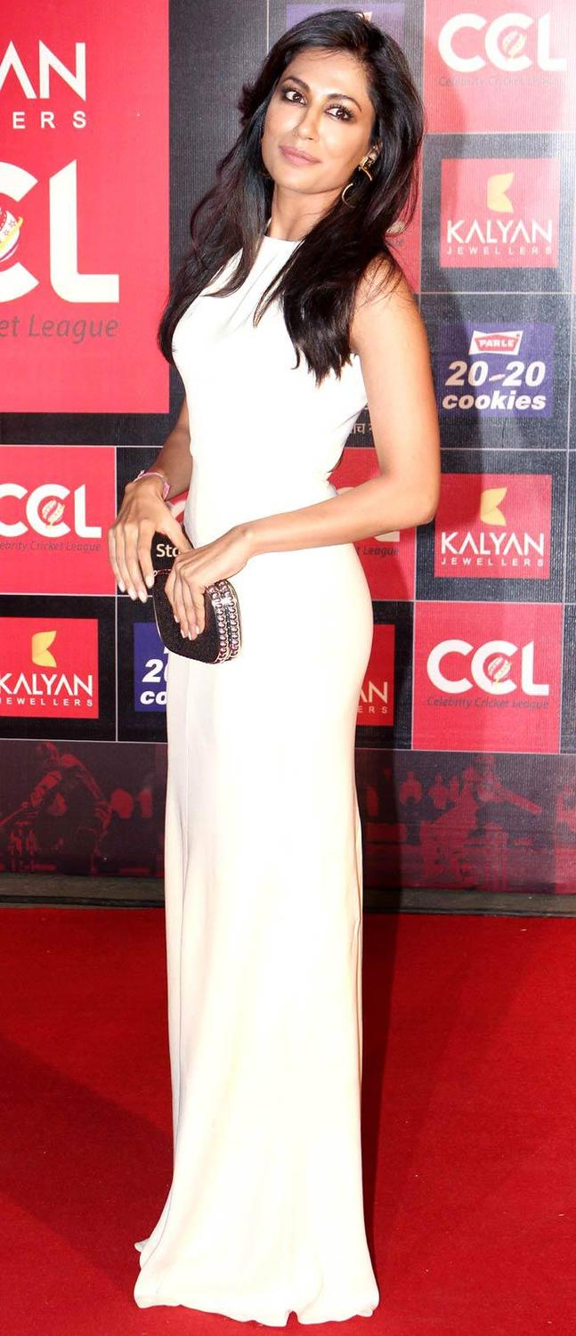 Chitrangada Singh Fashionable Look At The CCL Season 3 Red Carpet