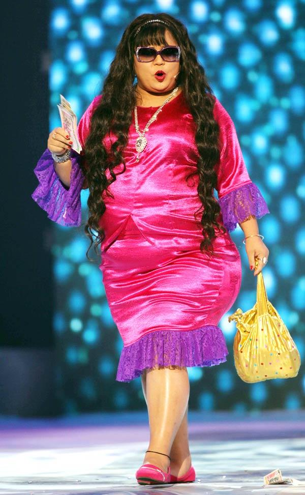 Comedian Bharti Singh Performs At The CCL Season 3 Red Carpet
