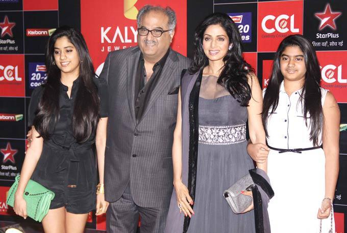 Sridevi With Hubby Boney,Daughter Jhanvi And Khushi Clicked At The CCL Season 3 Red Carpet