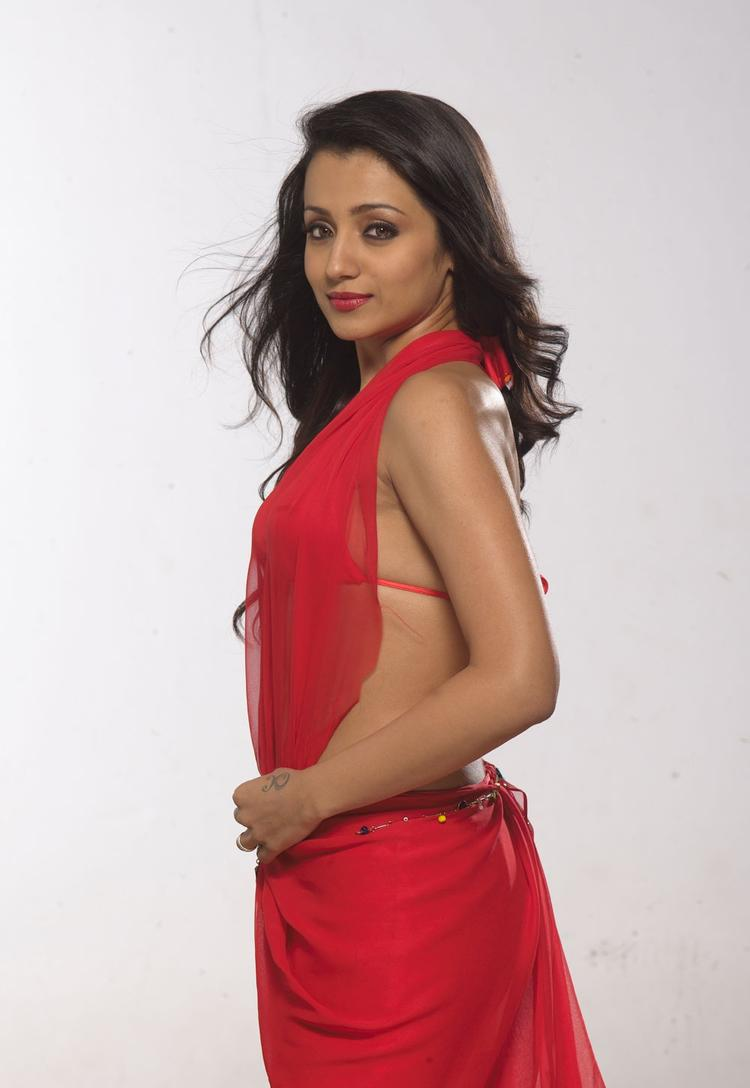 Trisha Krishnan In Red Saree Exclusive Hot Still