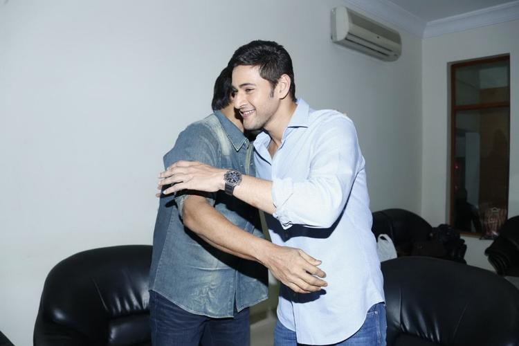 Mahesh And Venkatesh Hug Still At SVSC Triple Platinum Disc Function