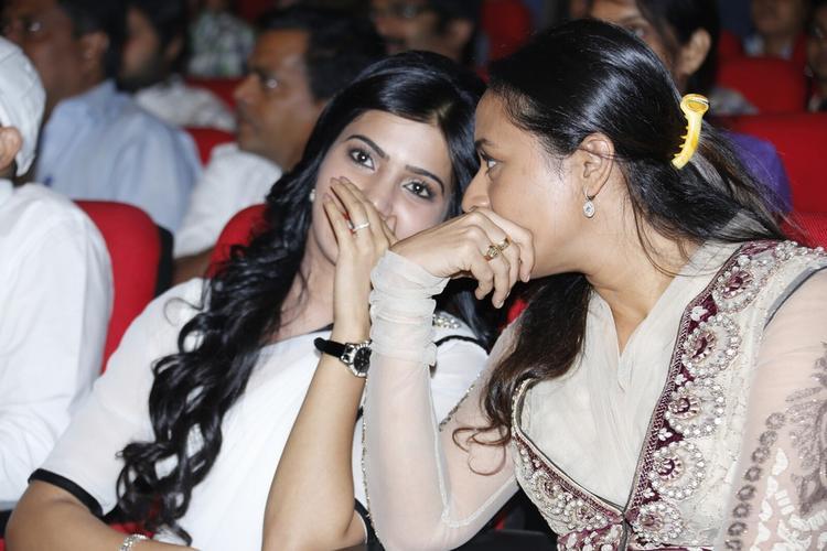 Samantha And Namrata Chatting Still At SVSC Triple Platinum Disc Function