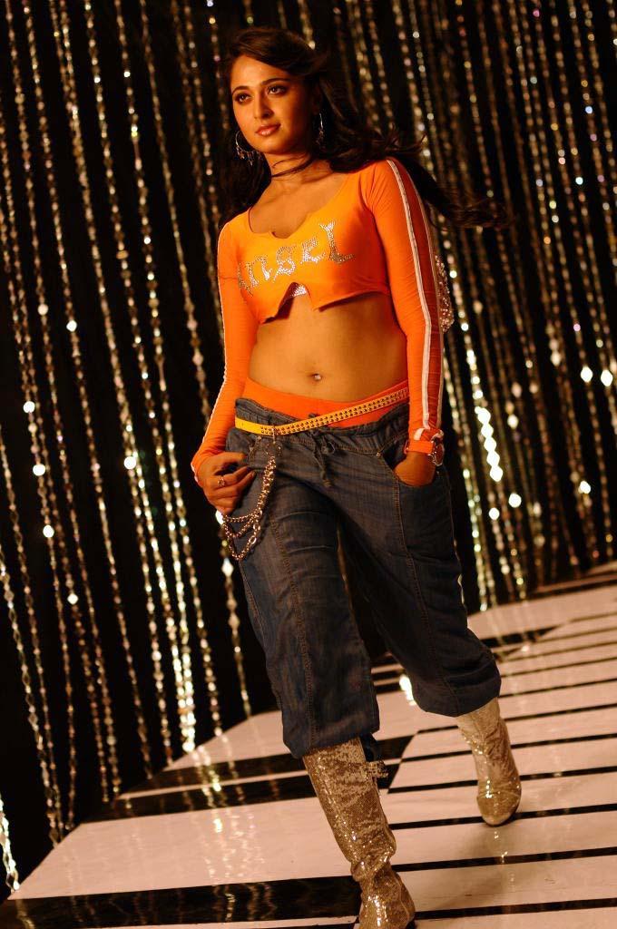 Anushka Shetty Spicy Look Still