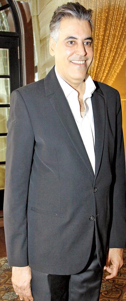 Abu Jain Smiling Photo Clicked At Sangeet Ceremony Of Gayatri And Arjun Hitkari