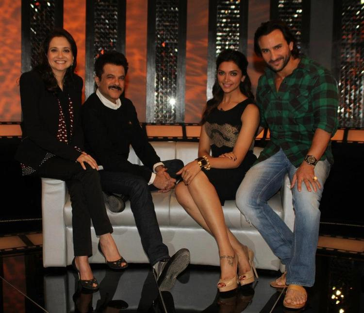 Saif,Deepika,Anil And Anupama Strike A Cool Posed On The Front Row Event