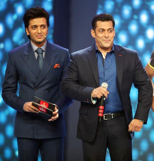 Salman Khan And Riteish Deshmukh At CCL 3 Glam Night Party