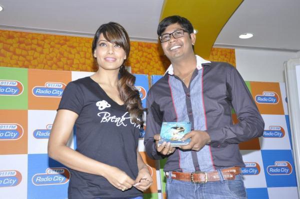 Bipasha Basu Clicked At Radio City 91.1