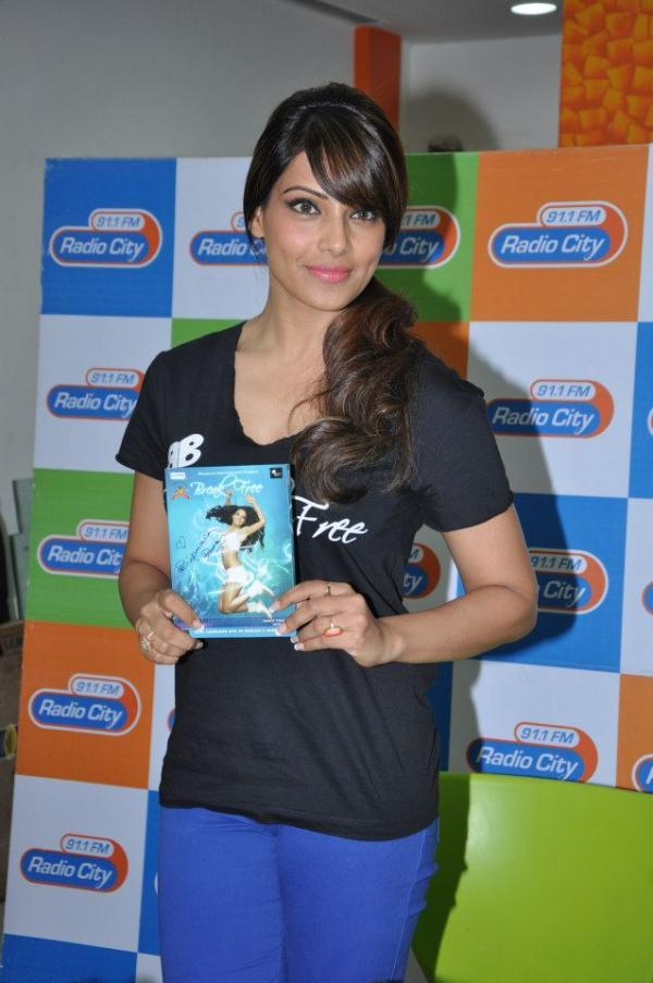Bipasha Basu Posing With Her Breakfree Fitness DVD At Radio City 91.1