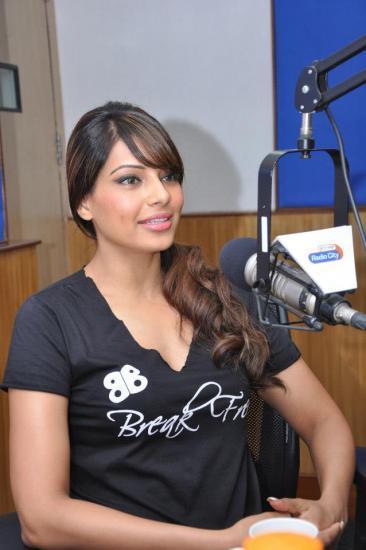Bipasha Basu Promotes Fitness DVD At Radio City 91.1