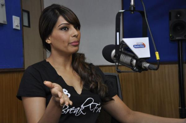 Bipasha Basu Snapped At Radio City 91.1 For Promoting fitness DVD