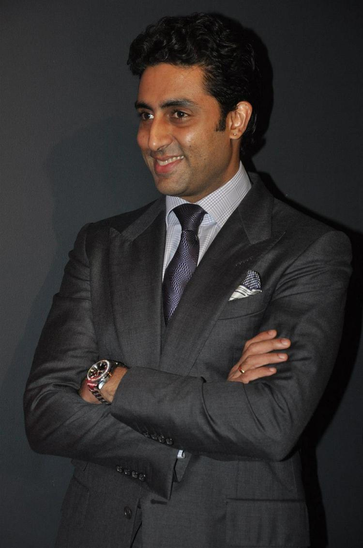Abhishek Dashing Look Photo Clicked At Art Exhibition Of Radhika Goenka