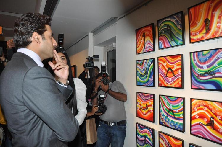 Abhishek Photo Clicke During Enjoy The Art At Art Exhibition Of Radhika Goenka