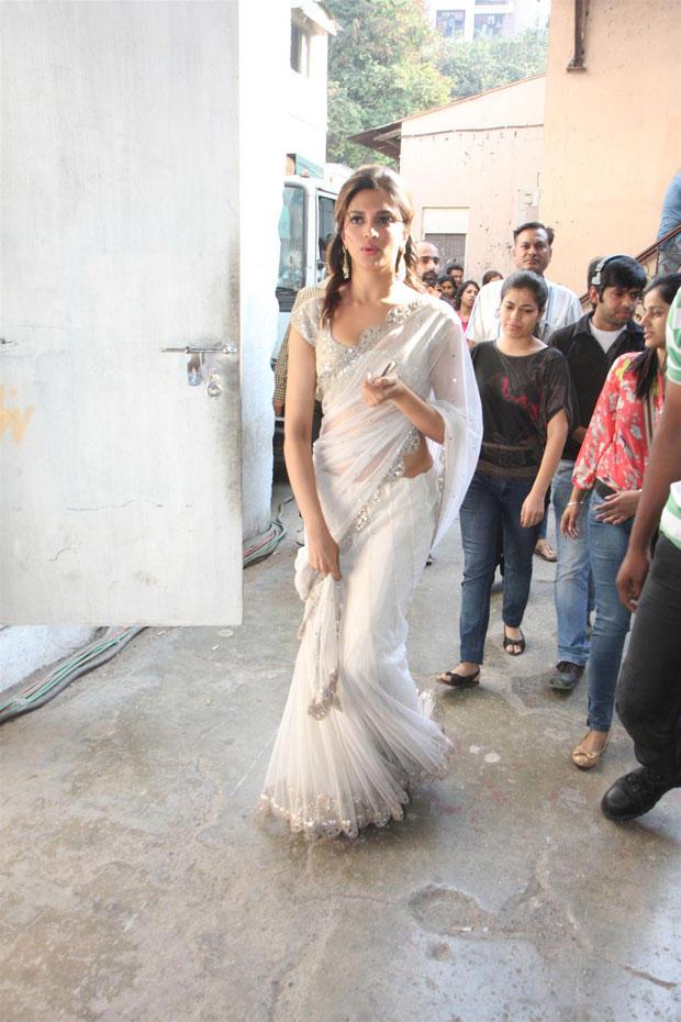 Deepika Padukone Walks On The Sets Of Nach Baliye 5 For Promoting Race 2