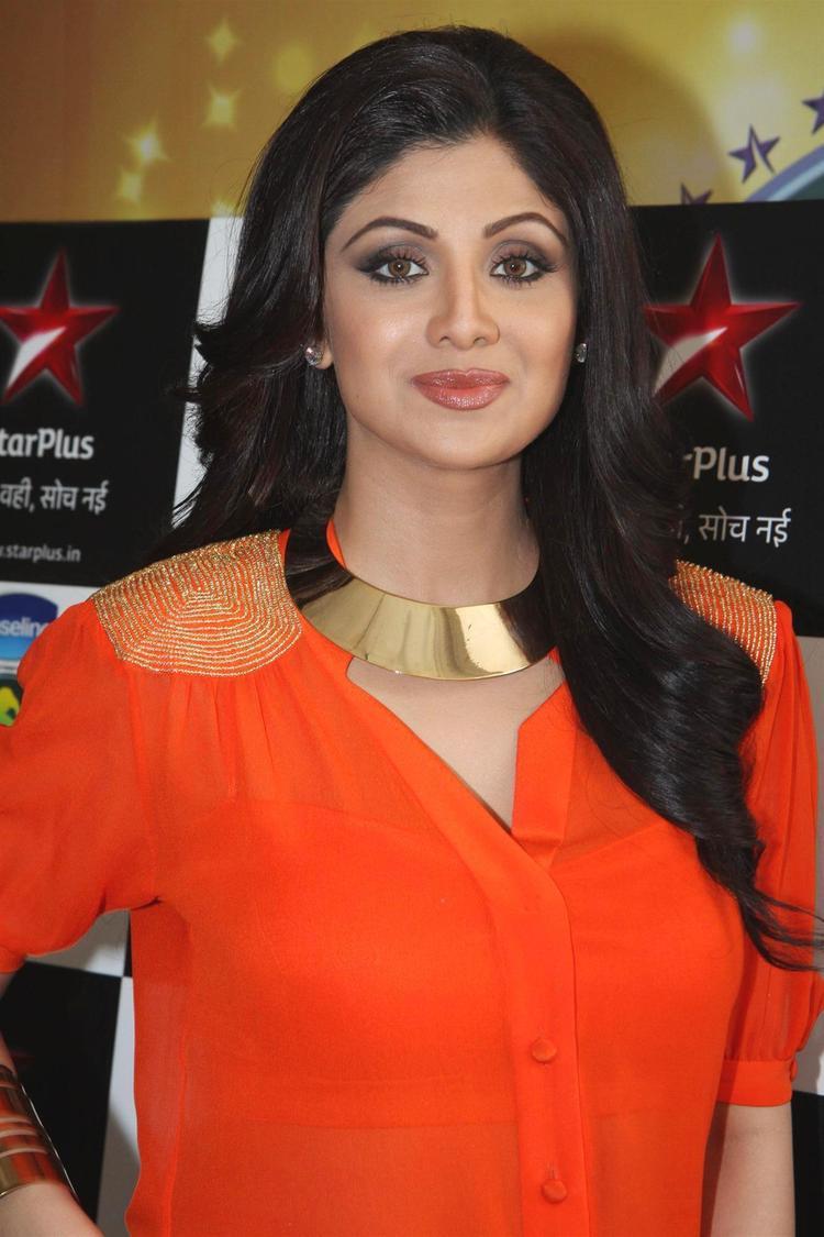 Shilpa Shetty Dazzles On The Sets Of Nach Baliye 5