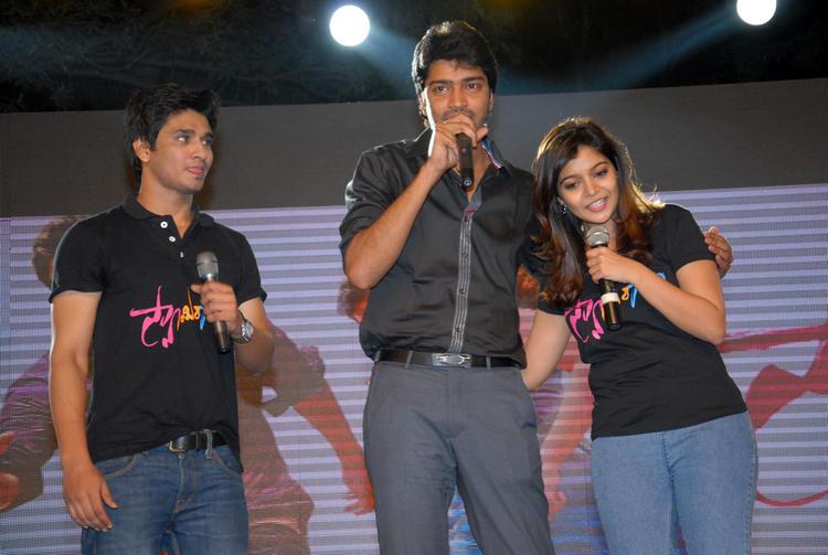 Swati,Allari Naresh And Nikhil Enjoy Still At Swamy Ra Ra Audio Release Function