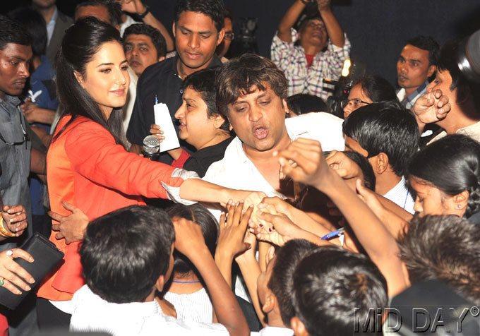 Katrina Kaif Shake Hand Photo Clicked At A Screening Of Main Krishna Hun
