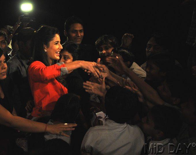 Katrina Kaif Smiling Photo Clicke At A Screening Of Main Krishna Hun