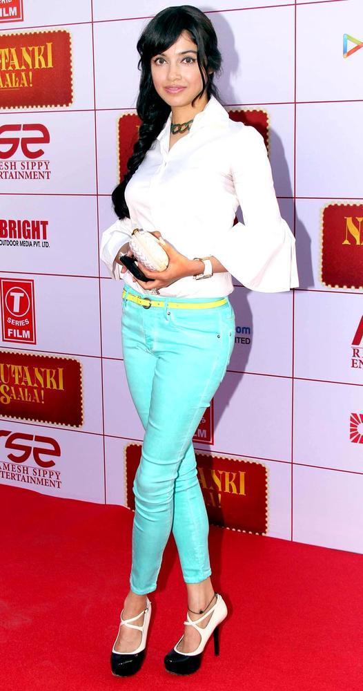 Pooja Salvi Spotted On Red Carpet At First Look Launch Of Nautanki Saala