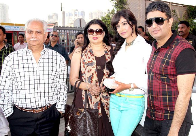 Ramesh,Kiran,Pooja And Bhushan Posed For Camera At First Look Launch Of Nautanki Saala
