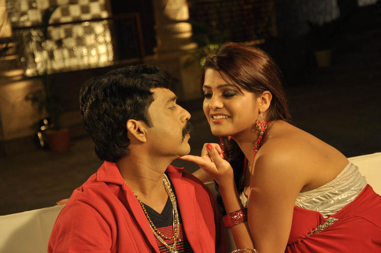 Tashu With A New Hero Sexy Romance Still From Movie Mahha Raja Sri Gaaligadu