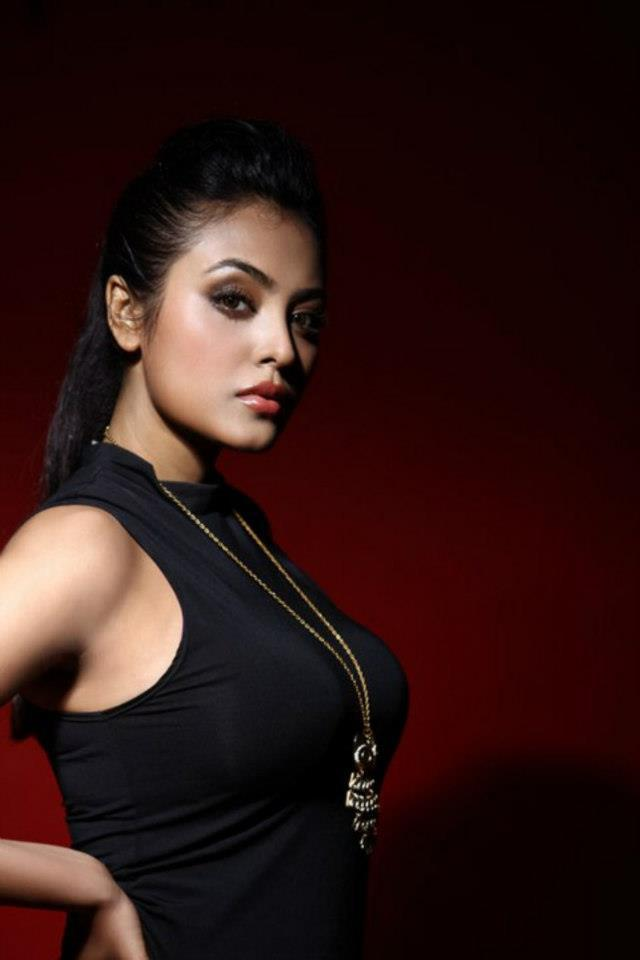 Meenakshi Sarkar Hot Look Photo Still In A Black Top