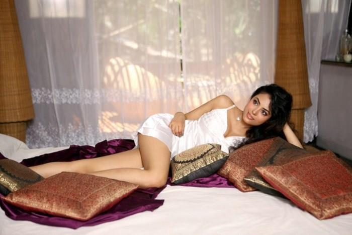 Meenakshi Sarkar Spicy Photo In A White Lingeri