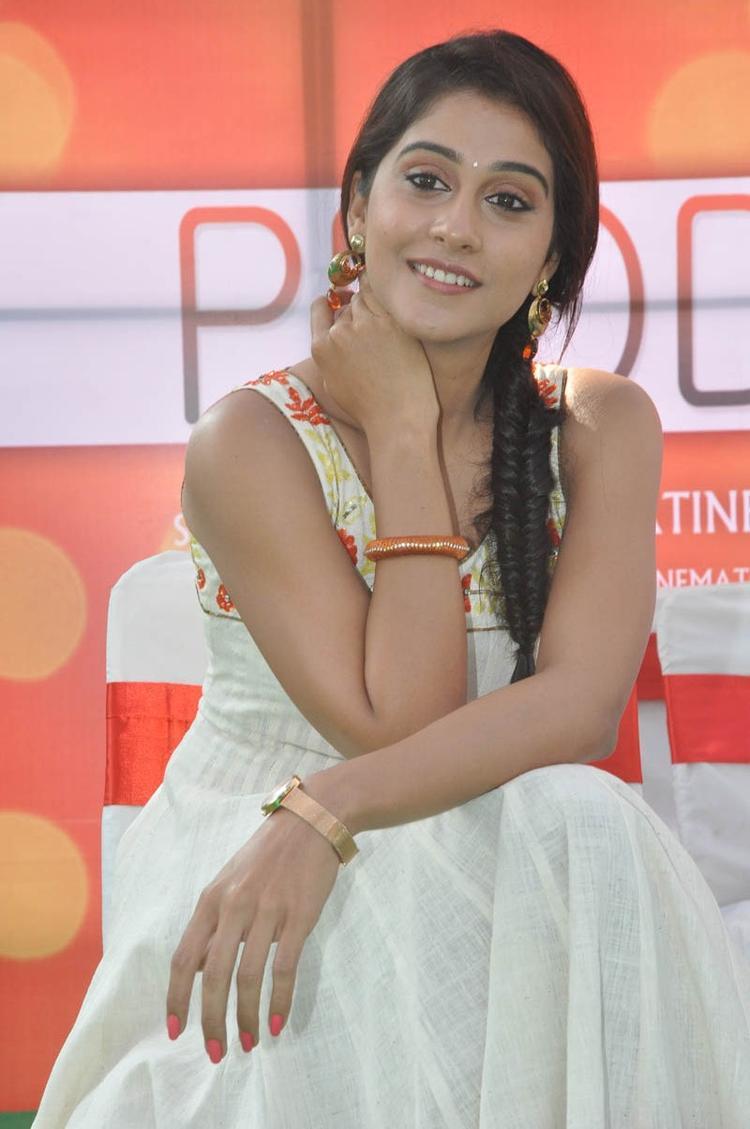 Regina Cassandra Attractive Look At Madrasi Movie Launch Event