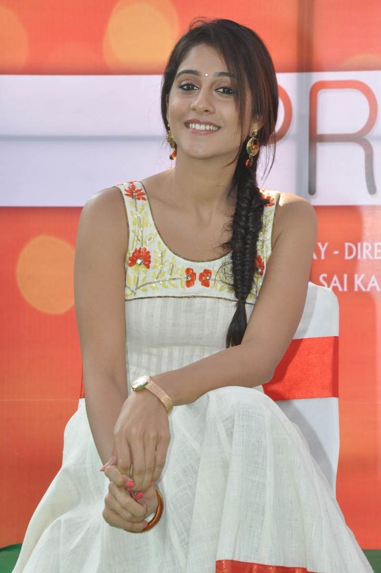 Regina Cassandra Charming Face Look At Madrasi Movie Launch Event