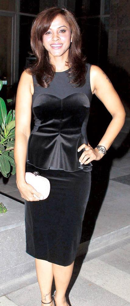 Mansi Scott Make An Appearance At An Elegant Evening